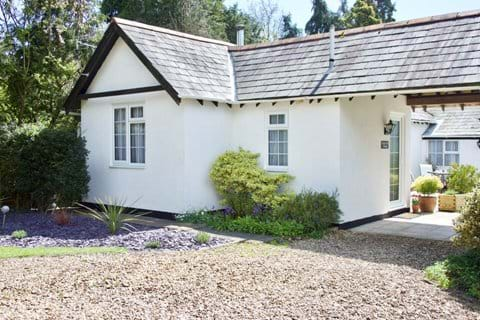 Front Approach to Holiday Cottage, New Forest