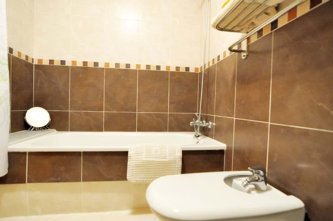 Family bathroom inc bath, shower and bidet