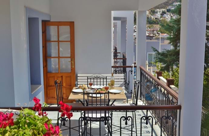 ...and has a large balcony suitable for alfresco dining...