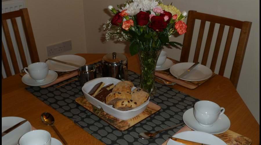 Dining - welcome tea & scones!