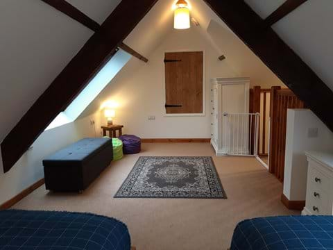 Mezzanine twin Room