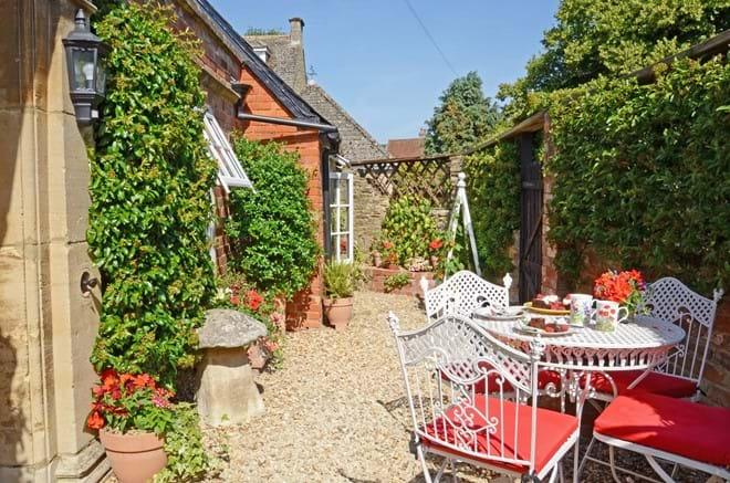 Coachmans Cottage Steeple Ashton Wiltshire UK BA14 6HH