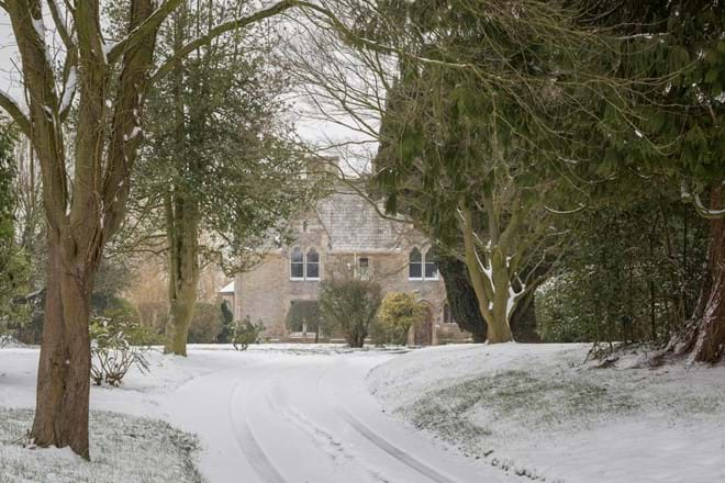 The drive to The Rectory Lacock and through to the cottages
