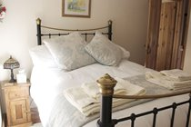 Antique Victorian Brass Style Master Bed