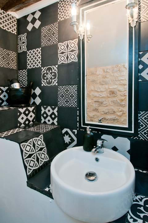 Black and White Suite Vanity