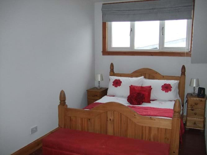 Double bedroom at Niaroo, Bowmore, Islay