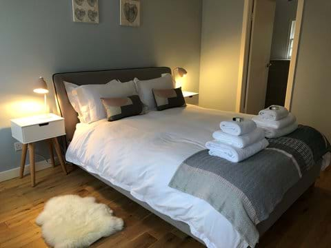 Ground floor ensuite bedroom
