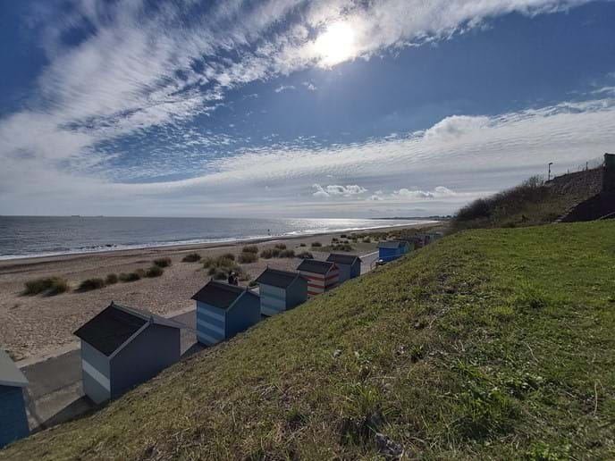 Cliff top view over huts and beach, 1 minute walk from Avocet and Sanderlings