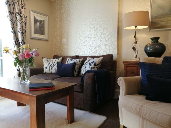 COSY LOUNGE AT IRONBRIDGE VIEW TOWNHOUSE