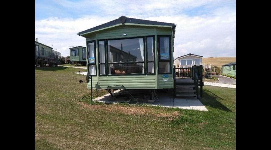 Yellow Hammer - Thornwick Bay Holiday Village