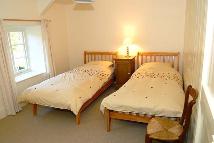 Bedroom - 2 with twin beds