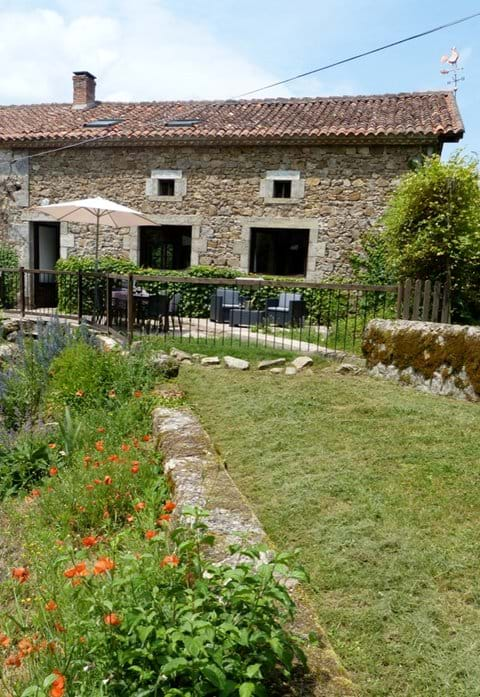 Holiday Cottage Dordogne Gite 6 people