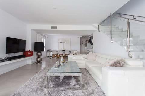 Overview open plan livingroom