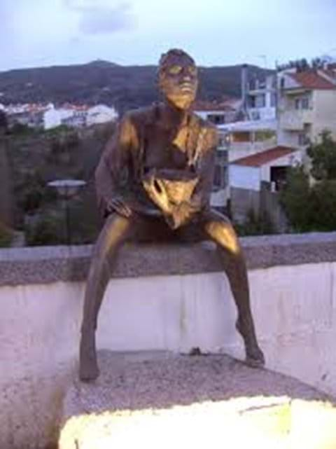 Bronze statue in Monchique