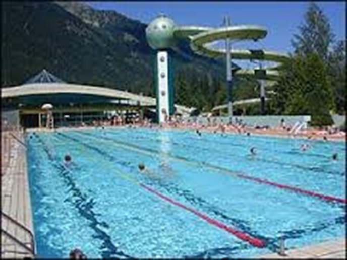 Chamonix swimming pool - free entry with Mont Blanc unlimited ski pass