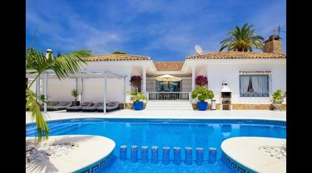 Palm villa has a gated patio + also a sliding gate from the top patio to the pool area