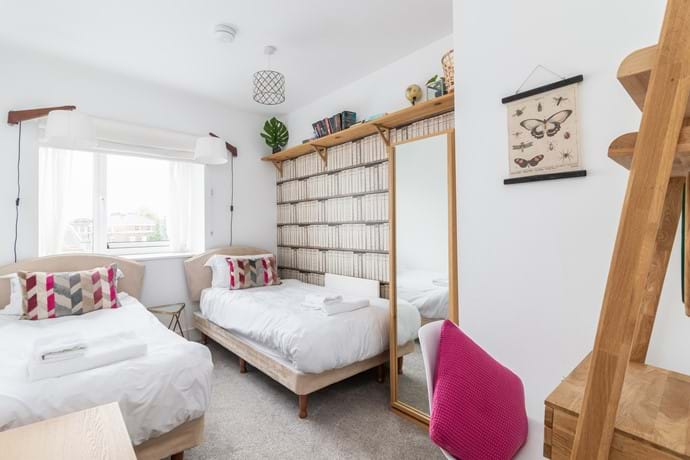 York holiday rental twin bedroom