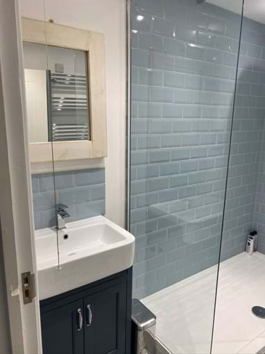 Home from Home Portsmouth - Newly refurbished bathroom