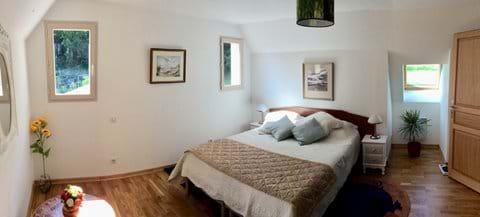 2nd  Large Bedroom to Tara Suite.