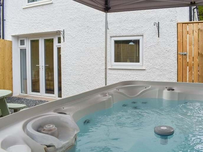 woodland suite hot tub