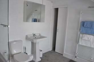 Bedroom 3 loft apartment bathroom