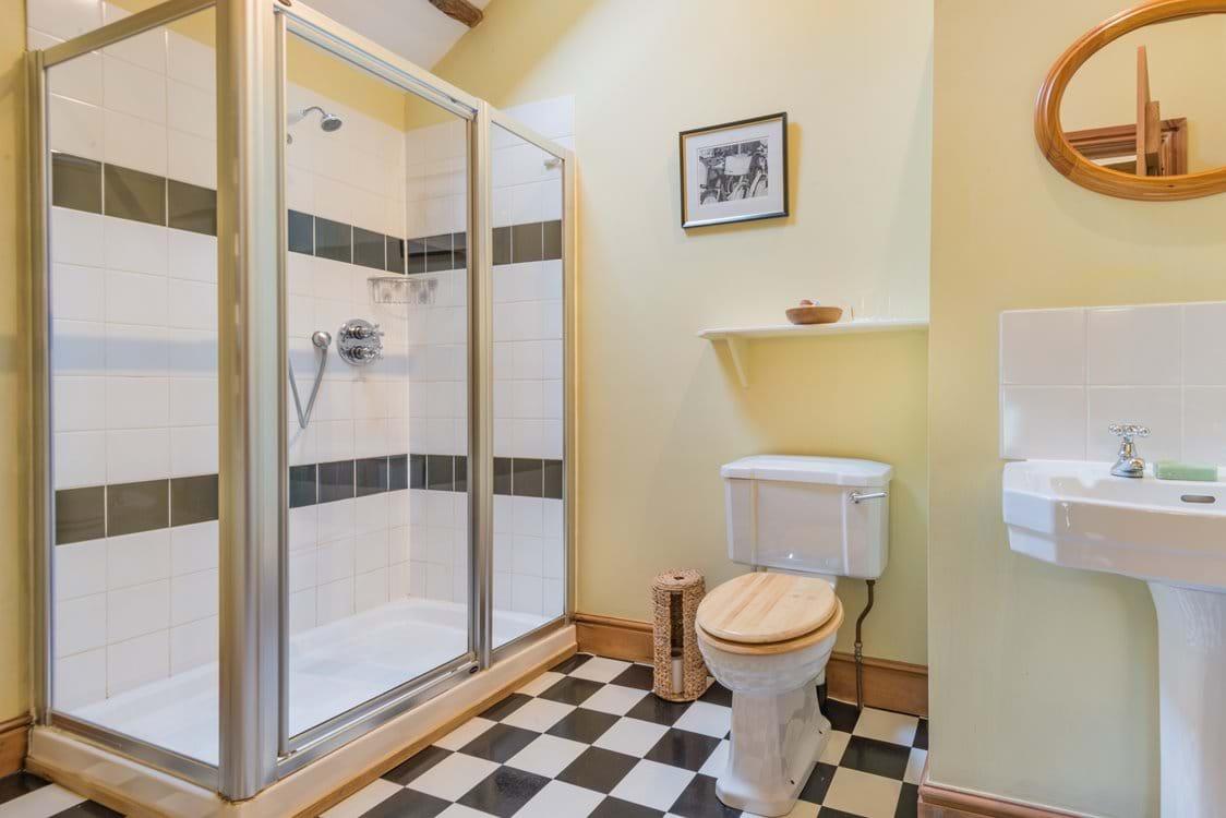 the master en suite shower room