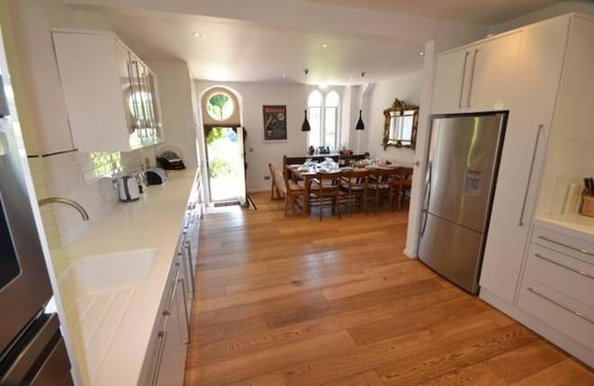 Large, well-equipped kitchen