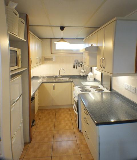 Chalet Cwtch Kitchen