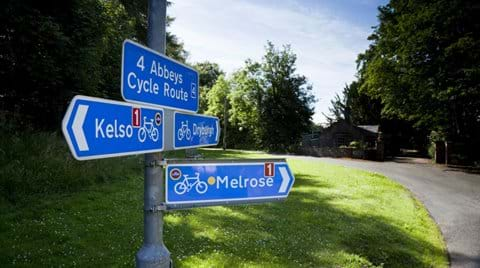 THE 4 ABBEYS CYCLE WAY A 55 mile (88km) signposted circular route linking the 4 Abbeys in the Scottish Borders at Jedburgh, Melrose, Dryburgh and Kelso. The route follows mainly quiet roads, although short stretches on A-roads are unavoidable.