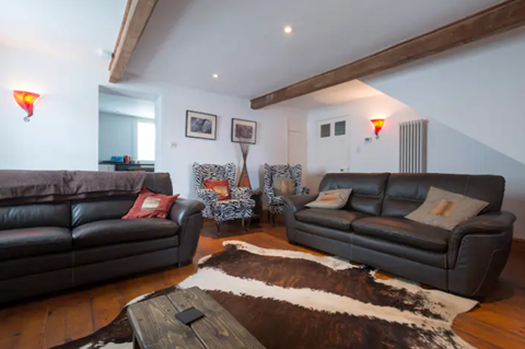Benbow Cottage lounge
