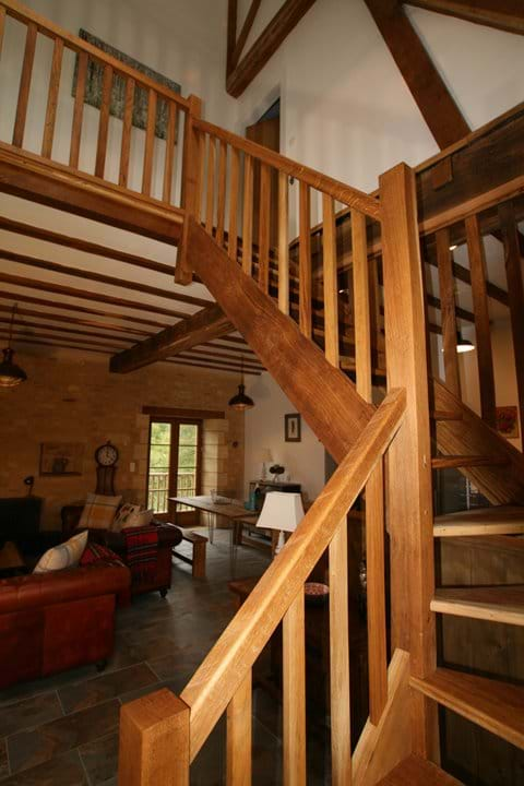 Oak gallery landing with vaulted ceiling