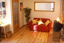 Reverse shot of lounge