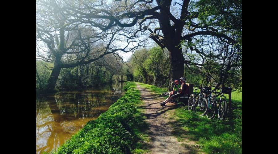 Family Cycling along the canal - time for a breather