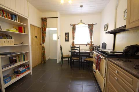 Rhoslwyn Kitchen & Dining Area