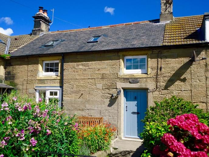 Anchor Cottage is a stone-built fisherman