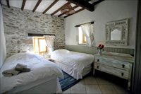 Twin bedroom Gite Chaitaigne