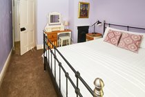 The Lilac Room - King Sized Bed!