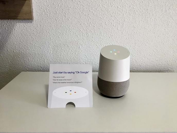 Holiday apartment - Google Home (your assistant in English and Spanish)