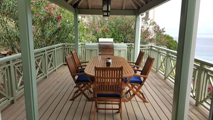 Garden Suite outdoor dining with BBQ
