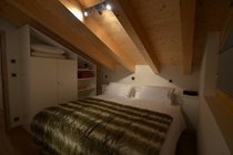 Upstairs bedroom 3 (night)