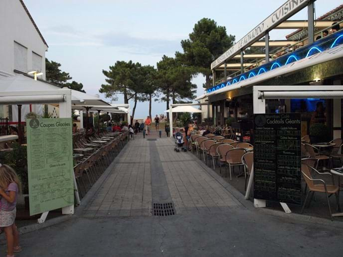 Beachside restaurants in Argeles