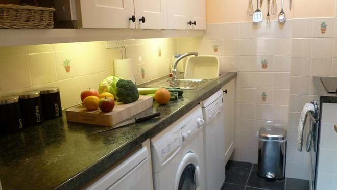 Coachmans Cottage self catering holiday cottage Steeple Ashton Wiltshire UK