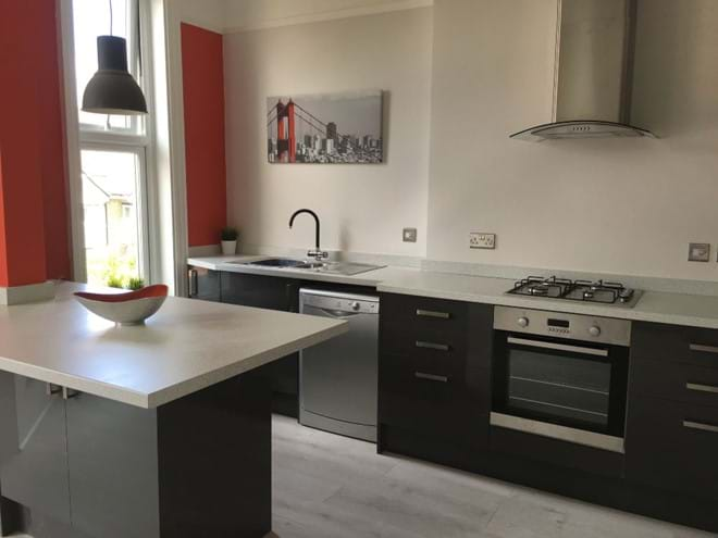 Home from Home Portsmouth - Open plan kitchen