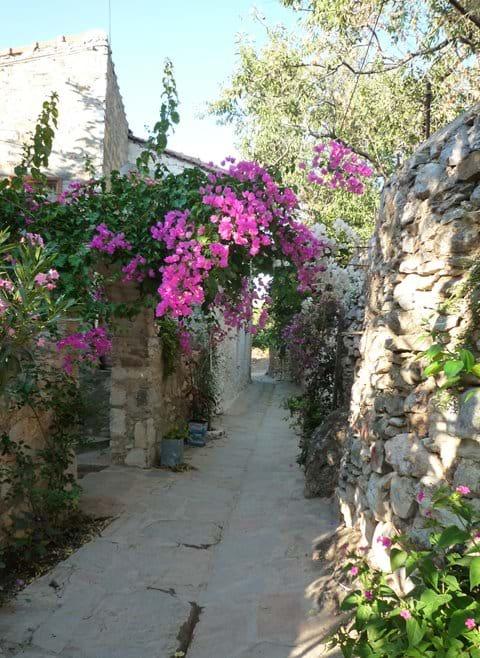 The colourful and narrow streets of Old Datça (Eski Datça)
