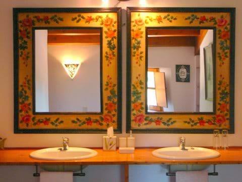 Bedroom 1's En Suite Bathroom.