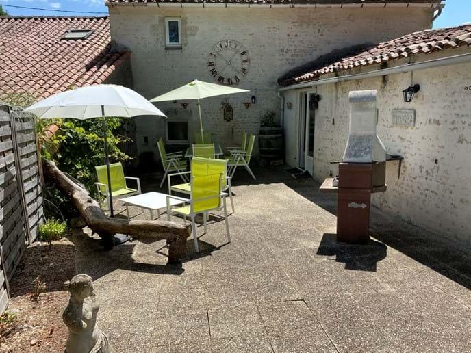 Terrace avec barbecue
