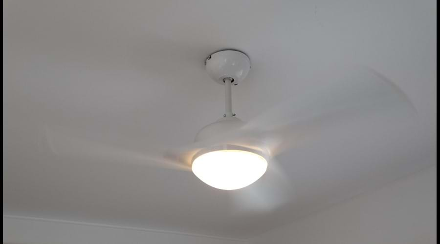 Remote controlled ceiling fan and air conditioning in all bedrooms