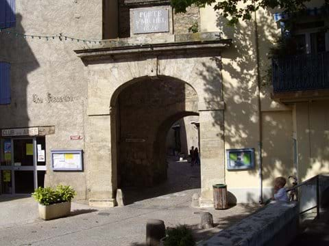 Porte St. Michel, Bize-Minervois