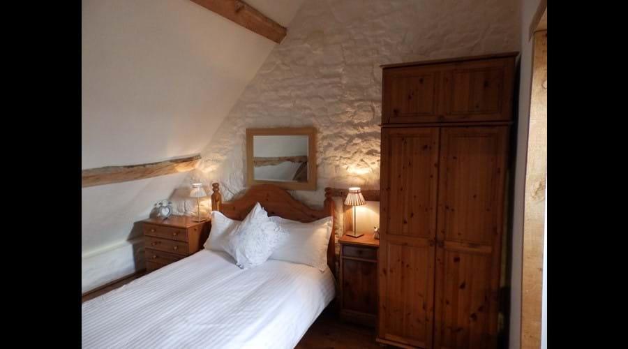 Farmhouse - 2nd floor double bedroom with en-suite shower room
