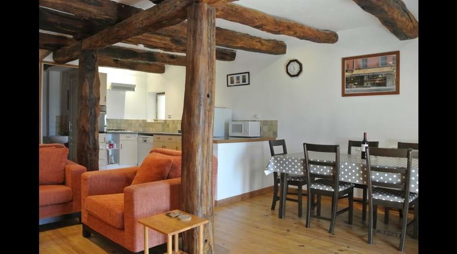 La Cardabelle - spacious open plan ground floor
